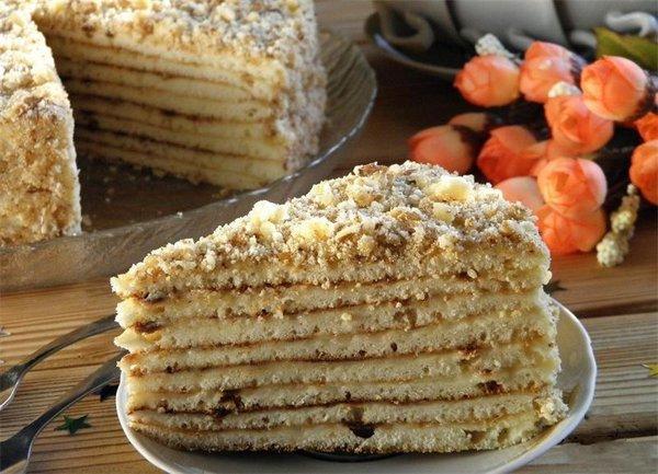 Рецепт быстрых тортов со сгущенкой