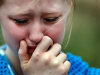 Одиночество губит людей. Пять фактов. плачущая девушка