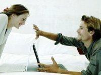 На современный брак влияют соцсети и друзья. семья, компьютер