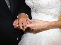 Идеальный партнер должен быть игривым. свадьба