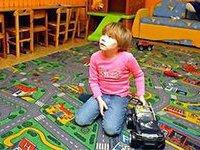 Даже грудные дети страдают зависимостью от гаджетов. ребенок, машинка